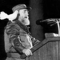 Cuba aprueba voluntad de Fidel Castro que prohíbe usar su nombre en espacios públicos