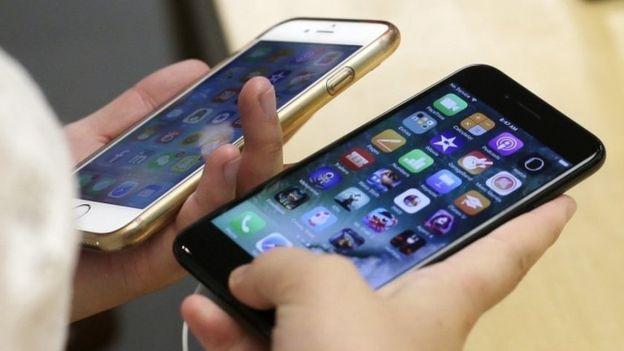 Asociación francesa denuncia a Apple por ralentizar sus teléfonos