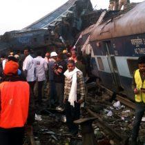 Superan el centenar los muertos en el accidente de tren en la India