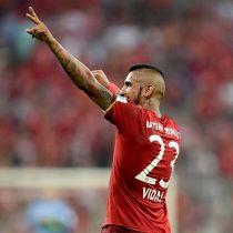 [VIDEO] El golazo al ángulo de Arturo Vidal que se postula como el mejor latino de la Bundesliga