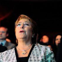 Bachelet sigue levantando la tesis del femicidio político para explicar sus derrotas: