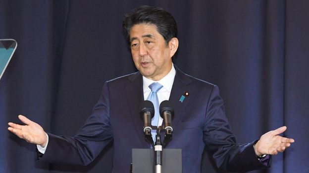 Abe podría enfrentar serias críticas en su país si acepta firmar la paz sin que se le regresen las islas a Japón.