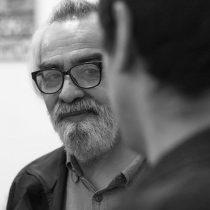 """Carlos Cociña, el poeta invisible: """"En las trizaduras aparecen las huellas de la realidad"""""""