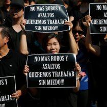 Chinos protestan frente a La Moneda por asesinato de conciudadano dueño de un restaurante