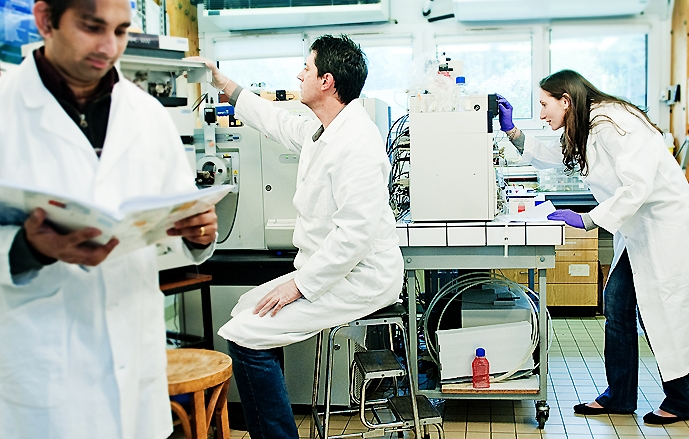 Científicos abandonados a su suerte: los nuevos exiliados chilenos