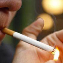 Colegio Médico denuncia lobby de industria tabacalera para bloquear ley antitabaco