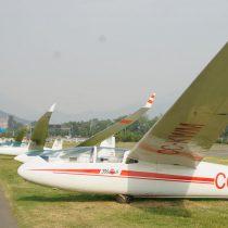 Con acrobacias aéreas el Club de Planeadores de Vitacura celebró sus 70 años