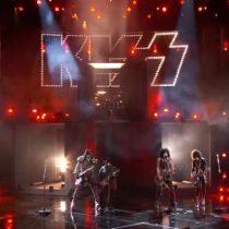 [VIDEO] Kiss se presenta en el capítulo final del programa de talentos