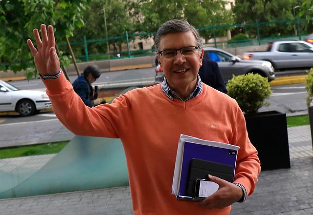 Derecha-izquierdista: la nueva creación del candidato Lavín