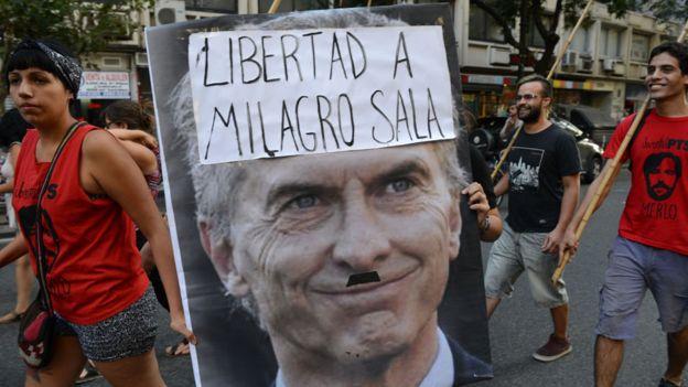Macri es acusado de no hacer nada por la liberación de Sala. Él lo niega.
