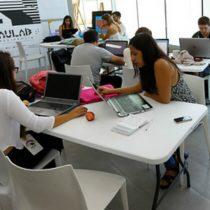 ¡Qué poco OCDE!: Chilenas con estudios universitarios ganan 35% menos que los hombres