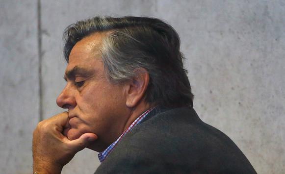 Caso SQM: Juzgado de Garantía revierte arresto domiciliario de Longueira y queda con firma quincenal