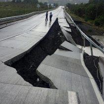 Empresa que construyó la autopista colapsada por el terremoto en Chiloé es la misma del puente Cau Cau