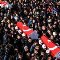 Aumentan a 38 los fallecidos por el doble atentado de Estambul