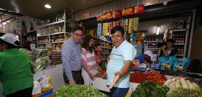 56,9% de los inmigrantes que residen en Chile pertenece a hogares de ingresos altos