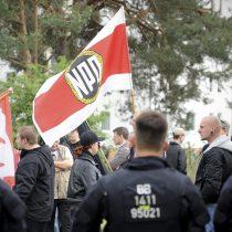 El Tribunal Constitucional alemán rechaza ilegalizar al partido nazi NPD
