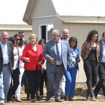 Bachelet llega a supervisar obras en la Araucanía y evita hablar con la prensa