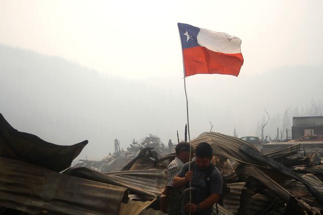[FOTOS] La labor de los voluntarios que continúan con la limpieza de escombros en Santa Olga