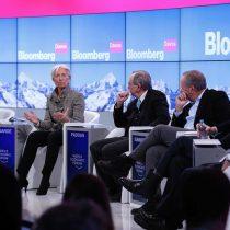 Banqueros en Davos preocupados por complacencia de los mercados y hacen advertencia