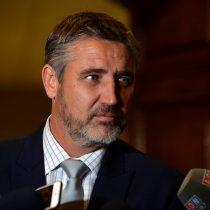 Rossi solicita al gobierno poner discusión inmediata a proyecto de despenalización del aborto por tres causales