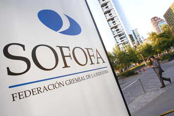 La Sofofa le toma el pulso al año con Felipe Larraín como invitado