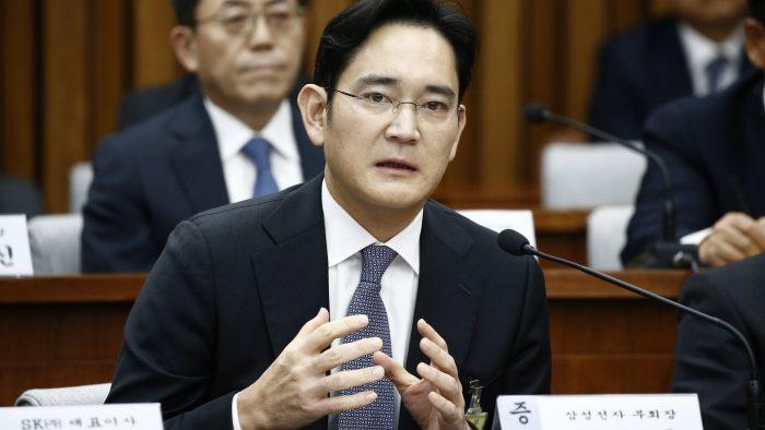 El heredero de Samsung fue condenado a cinco años de prisión por corrupción