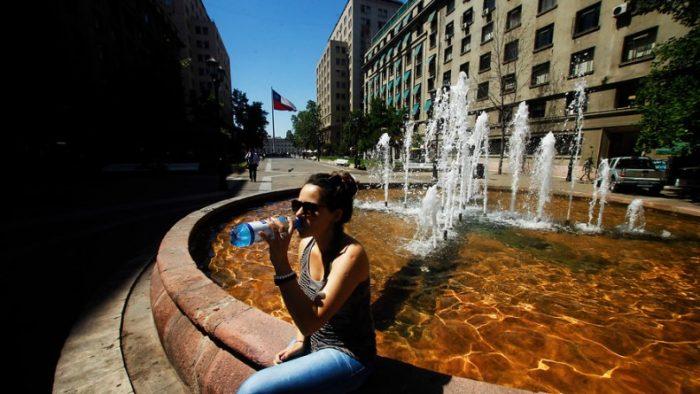 Islas de calor en barrios de Santiago: Un fenómeno urbano no registrado por los termómetros oficiales