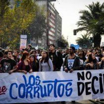Estudio revela que 6 de cada 10 chilenos no sabría identificar una institución que le dé confianza
