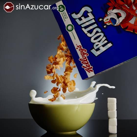 50 gramos de Frosties de Kellogg's contienen 18gr de azúcar: 4,6 terrones . SINAZUCAR.ORG