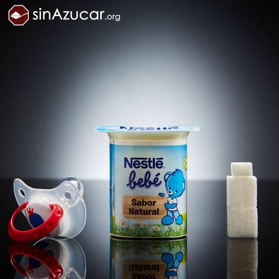 Un yogur Nestlé para bebés tiene 9 gramos de azúcar. Más de dos terrones.. SINAZUCAR.ORG