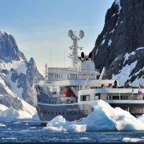 A navegar por la Antártica, en el primer rompehielos boutique