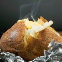 El riesgo de cáncer por consumir papas al horno