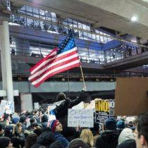 Google, Apple y  Microsoft lideran oposición empresarial a orden ejecutiva de Trump que veta inmigrantes