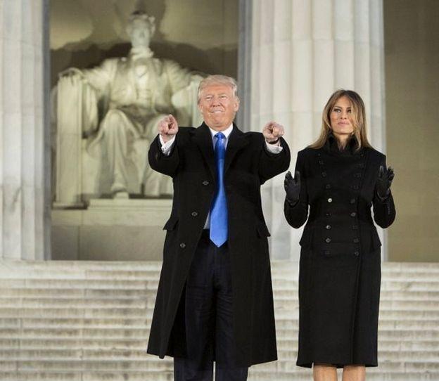 En la tarde, Donald y Melania Trump llegaron hasta Washington D.C. para participar de una celebración de bienvenida frente al Monumento a Abraham Lincoln.