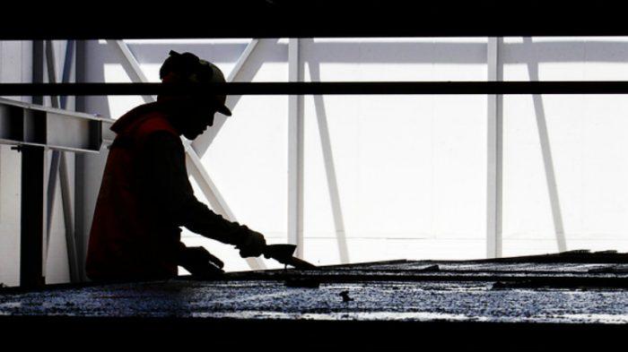 Encuesta Casen: más trabajo, peores sueldos