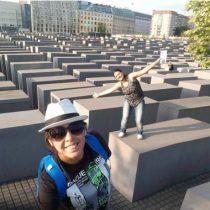 Yolocaust, la web que remece la conciencia de los turistas frívolos con el Holocausto