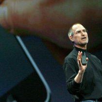 [VIDEO] Hace una década el genio de Apple, Steve Jobs, desveló el revolucionario iPhone