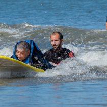 Festival surf inclusivo en Uruguay expone necesidad de playas más accesibles
