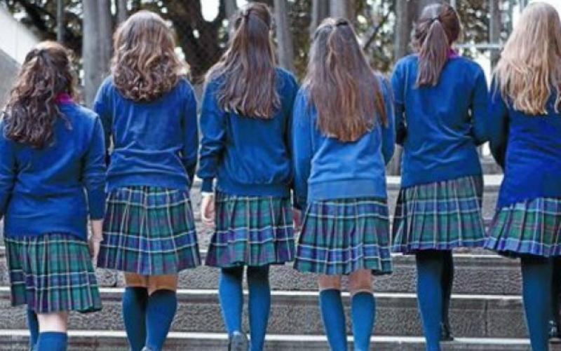 La discriminación del uniforme escolar - El Mostrador bc3bf9af8b8ee