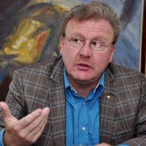Candidato asegura que todas las encuestas en Ecuador dan segunda vuelta