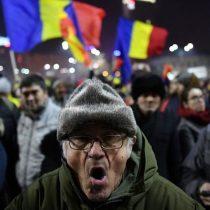 [VIDEO] Por qué miles de personas protestan contra el gobierno en Rumania