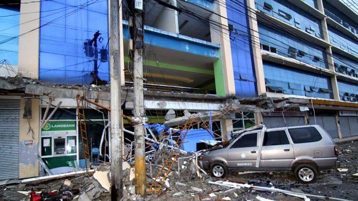 6 muertos y más de 100 heridos en un terremoto al sur de Filipinas