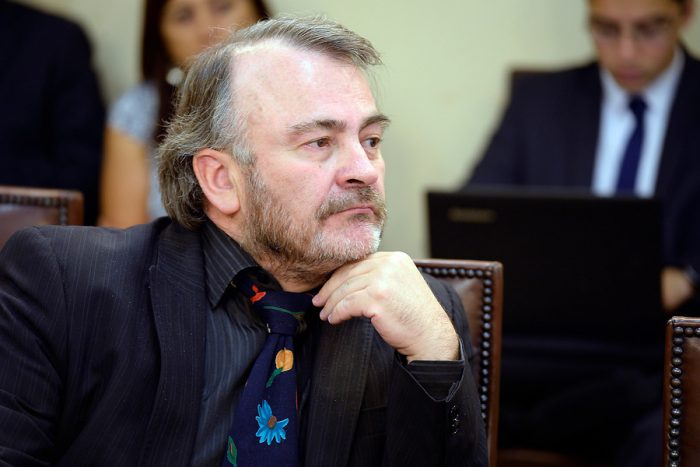 Piden expulsar a Pepe Auth de la bancada de diputados PPD por sus críticas al partido
