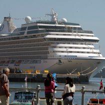 Trabajadores portuarios en huelga bloquearon el desembarco de turistas en dos cruceros