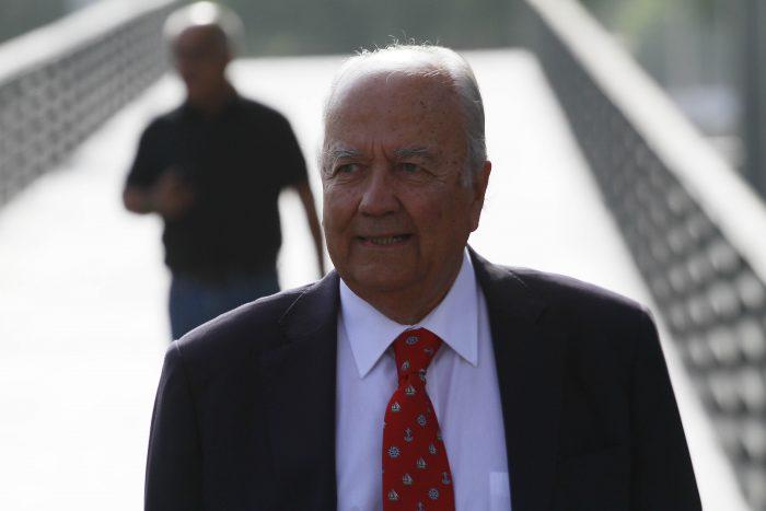 Almirante (r) Arancibia desafía a La Moneda: