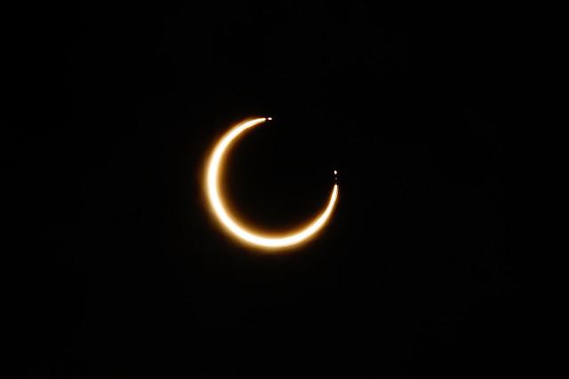 [FOTOS] El eclipse anular de sol visto desde el sur de Chile