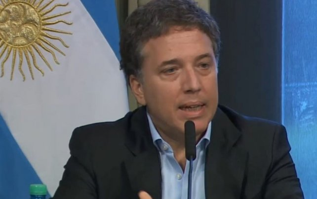 Nicolás Dujovne hace su debut en Chile como nuevo ministro de Hacienda argentino