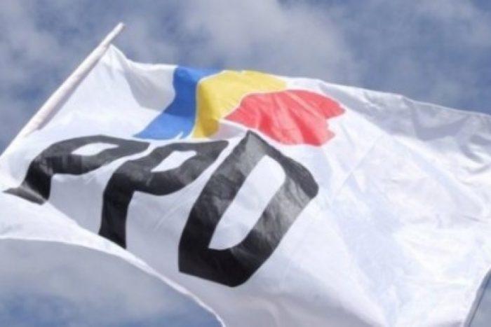 Refichaje: el PPD saca el raspado de la olla y pide traer un mínimo de militantes a quienes sean  candidatos al Parlamento