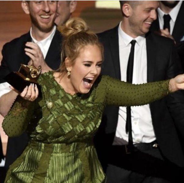 Adele arrasó en los Grammy 2017