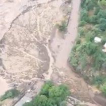 [VIDEOS] Carabineros sobrevuela zona afectada por aluvión en San José de Maipo